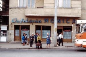 Cofetăria Monica, din piaţa Cipariu (sursa: flikir.com)