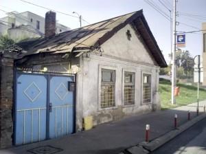2014: presupusa casă a vrăjitoarelor, din Cipariu, încă în picioare (foto Dorin Ciorca)