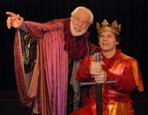 Merlin îl recomandă pe John regelui Arthur
